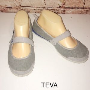 TEVA Mary Jane Style Syle 4430 Gray Shoes- SIZE 8